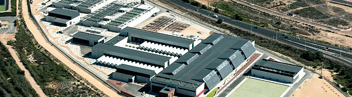 Una delegación del Gobierno sudafricano se interesa por los avances tecnológicos incluidos en la desaladora de Torrevieja