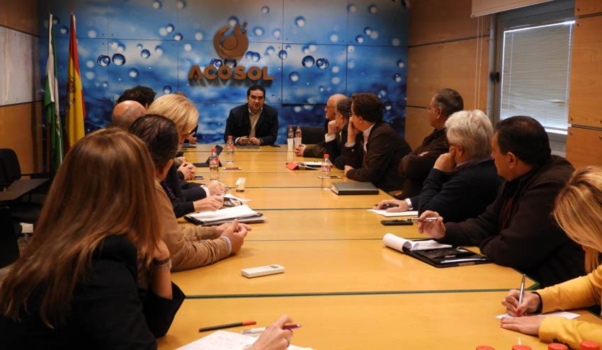 Acosol acometerá inversiones para llevar agua regenerada para la limpieza y riego municipales