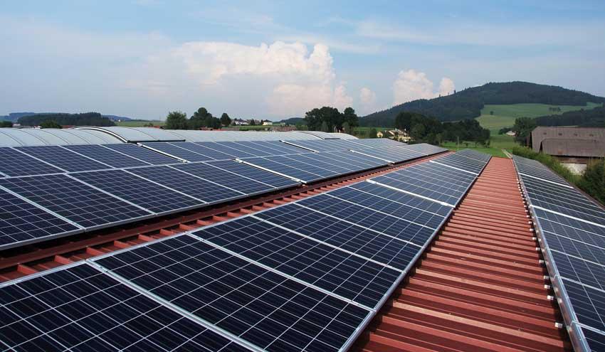 Recyclia recupera 94 toneladas de vidrio y 15 de metales de los paneles solares reciclados en 2017