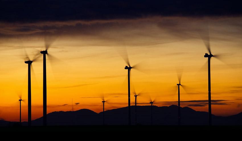 El Gobierno refuerza los criterios socioeconómicos y medioambientales para el despliegue de las renovables