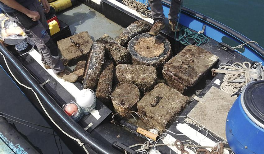 SUBMON y el proyecto LIBERA recogen residuos de gran tamaño de fondos marinos