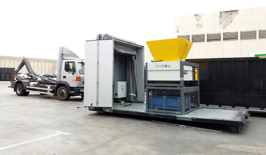 UNTHA IBERICA entrega una nueva unidad de su trituradora RS40 en Madrid
