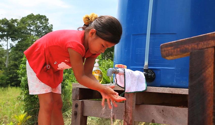 Fundación Aquae amplía su colaboración con la población indígena de Perú para facilitar el acceso a agua