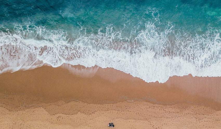 EnviroLIMS de LABAQUA permitirá el seguimiento de la calidad de las aguas de baño en Alicante