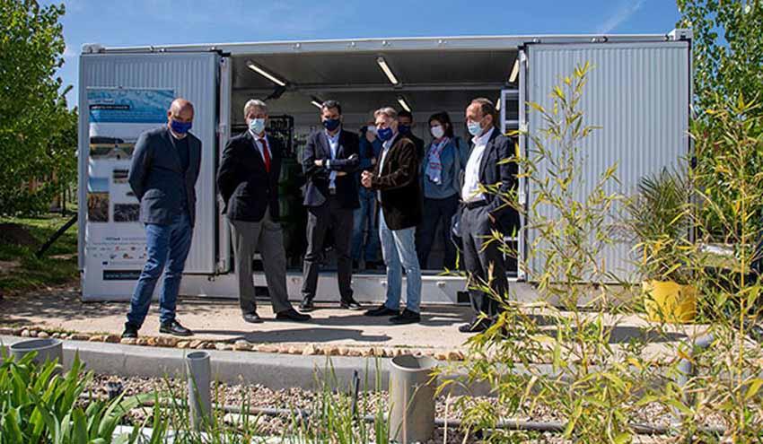 El presidente de la Confederación Hidrográfica del Tajo visita la planta metland® de IMDEA Agua