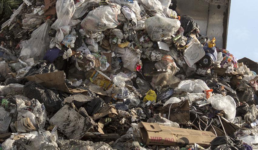 Los vertederos de Bizkaia no pueden acoger los residuos industriales con destino a Zaldibar