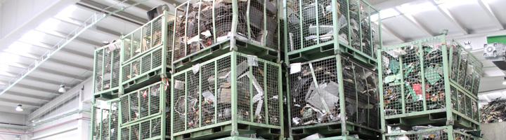 Un acuerdo entre fabricantes, comercios y gestores de residuos permitirá reciclar 17.000 toneladas de RAEE en Andalucía