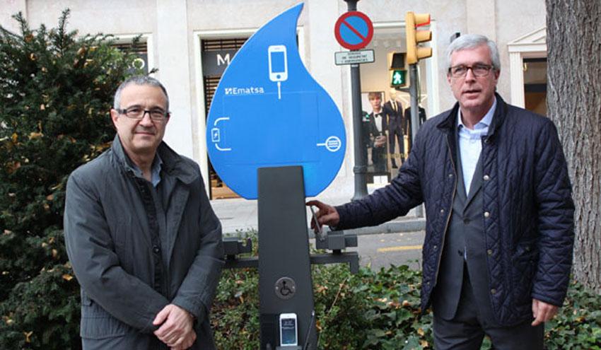 Ematsa aprovecha la energía hidráulica de la red de agua para cargar dispositivos móviles