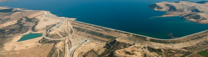 Se inicia el suministro de agua a los regantes del Canal de Aragón y Cataluña desde el embalse de San Salvador en Huesca