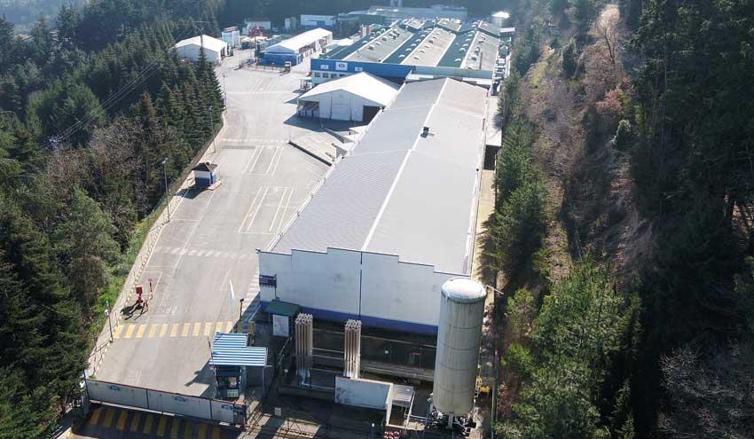 La planta embotelladora de Nestlé en Viladrau, certificada por su uso responsable del agua