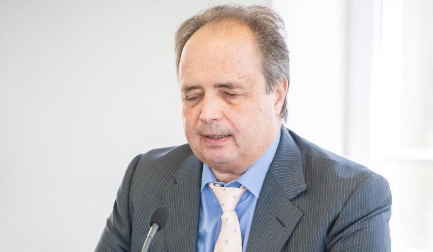 """Carlos Martínez Orgado: """"La economía circular es mucho más que las tres erres"""""""