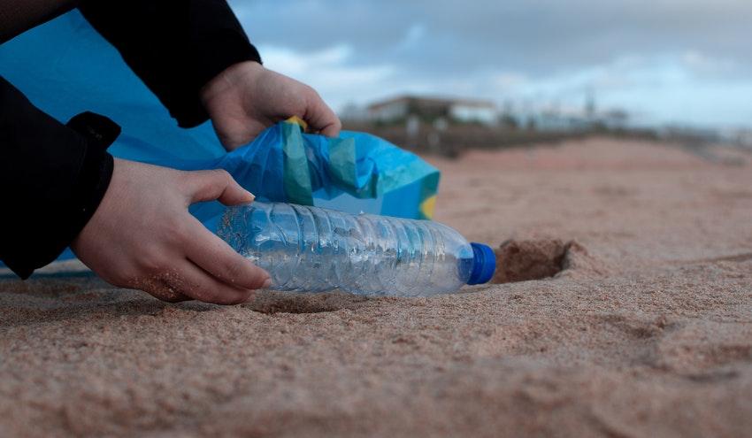 ¿Cómo puede Europa revertir el problema medioambiental de los plásticos?
