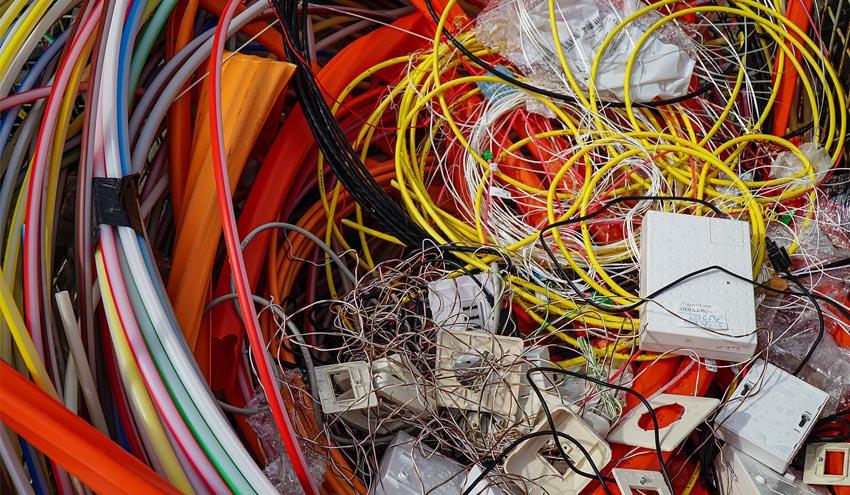 Desarrollan nuevos compuestos de yeso que incorporan desechos de plásticos de cables