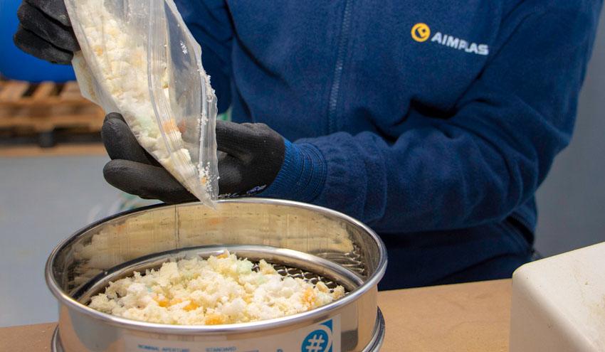 Reciclado químico para obtener nuevas materia primas de residuos de poliuretano y eliminar su vertido