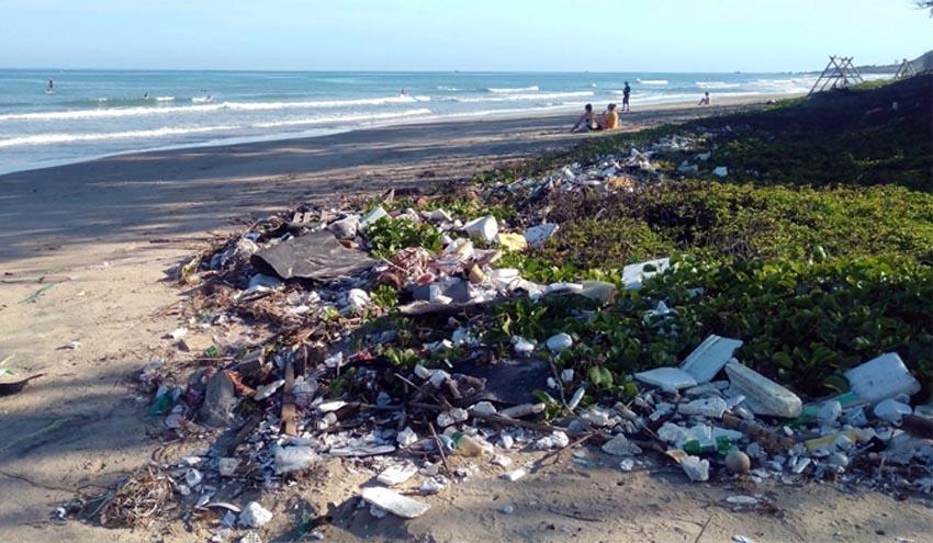 Consumidores y empresas piden más acción de los gobiernos para combatir la contaminación por plásticos