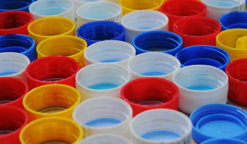 Un nuevo informe revela avances en la reducción de la contaminación por plásticos