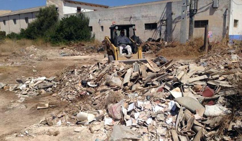 Emaya retira quince toneladas de un vertedero de amianto de Es Carnatge