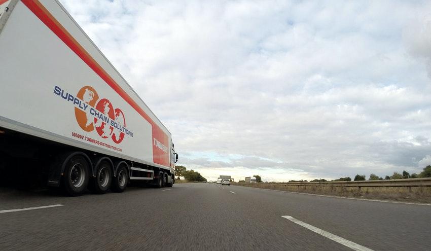 Por qué el transporte de mercancías suspende en sostenibilidad