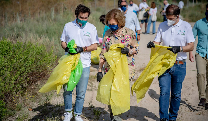 11.000 voluntarios limpian de basuraleza cerca de 1.100 espacios naturales a través de '1m2 contra la basuraleza'
